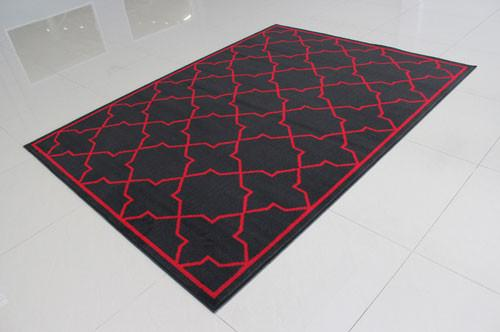W1512 Black Red Area Rug