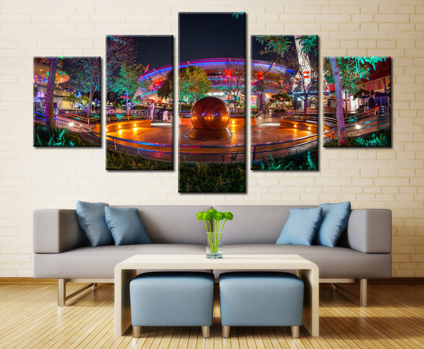 Kugel Fountain - 5 piece Canvas