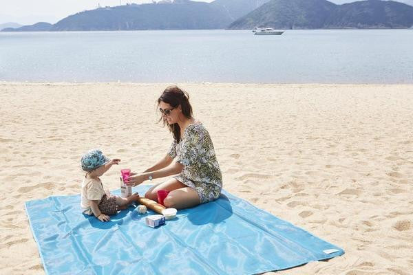 BLUE SAND FREE BEACH MAT