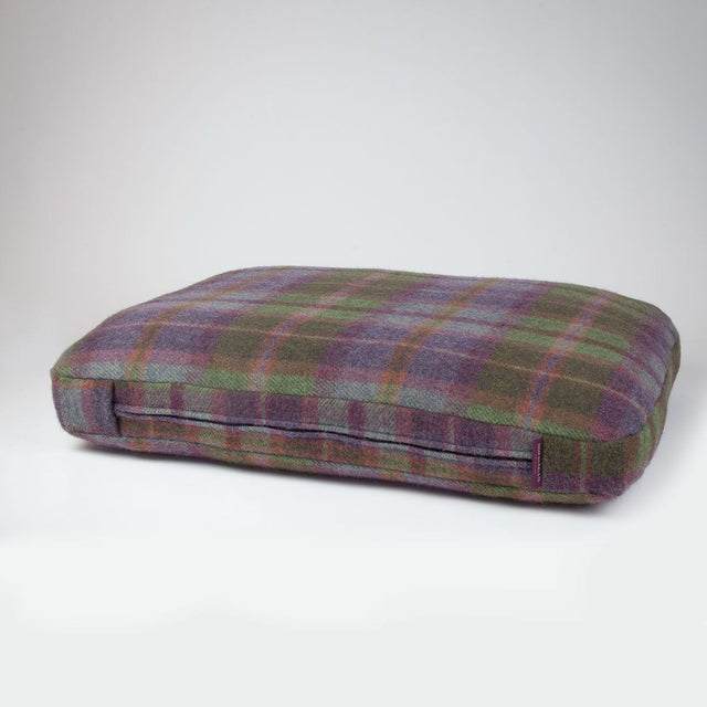 Achill Plaid Premium Dog Bed Wool Filling