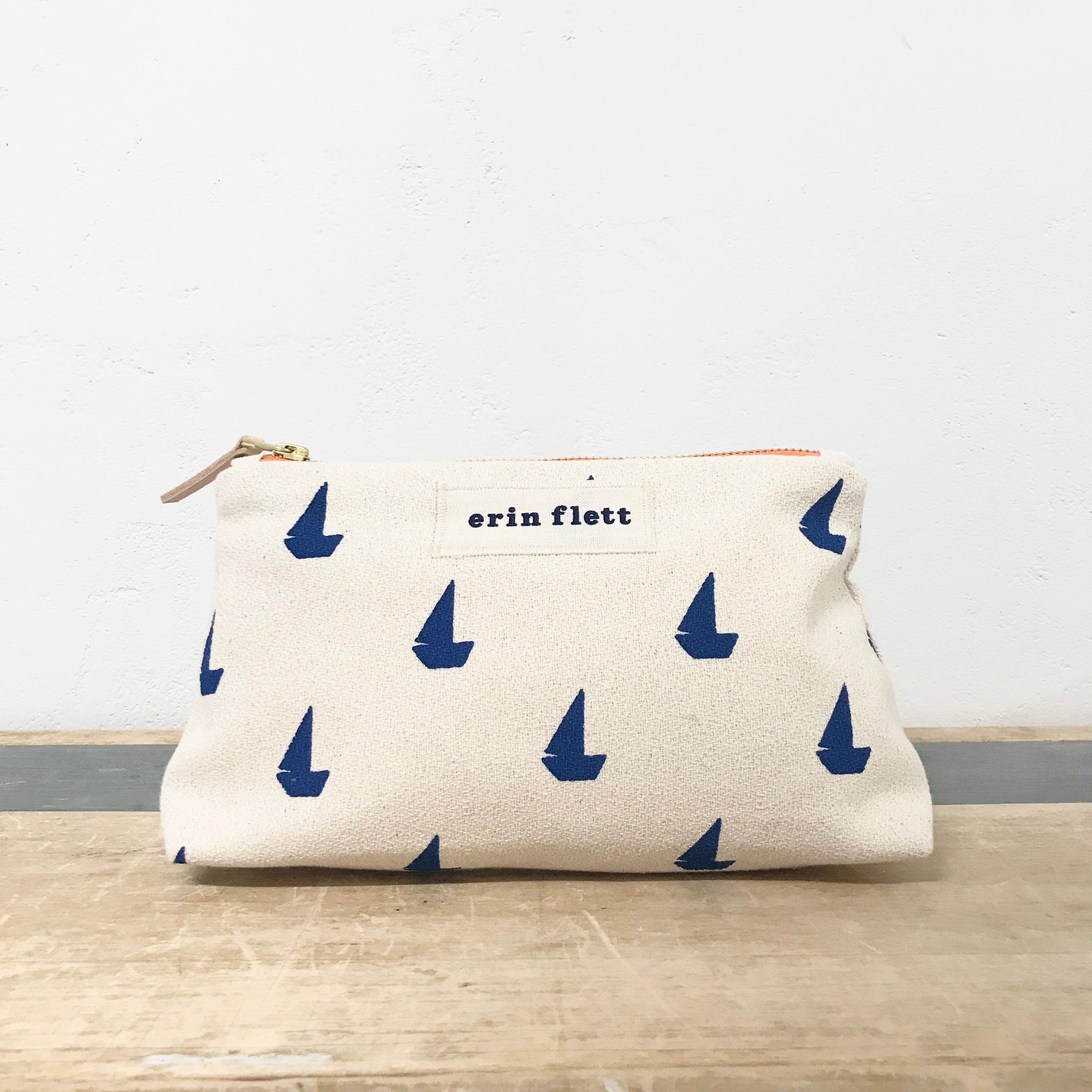 ROYAL SAILBOATS MAKEUP ZIPPER BAG