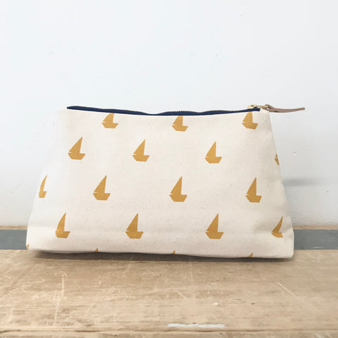 YOLK SAILBOATS JEN BAG