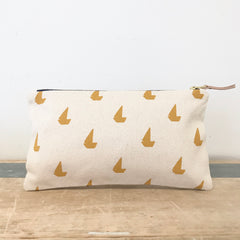 YOLK SAILBOATS CLUTCH ZIPPER BAG