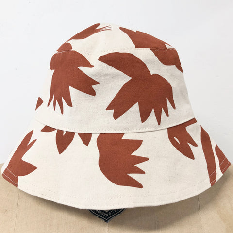 CLAY LOTUS BUCKET HAT