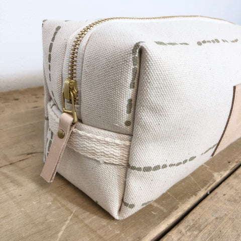OATMEAL RIVER DOPP KIT