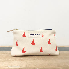 CREW SAILBOATS MAKEUP ZIPPER BAG
