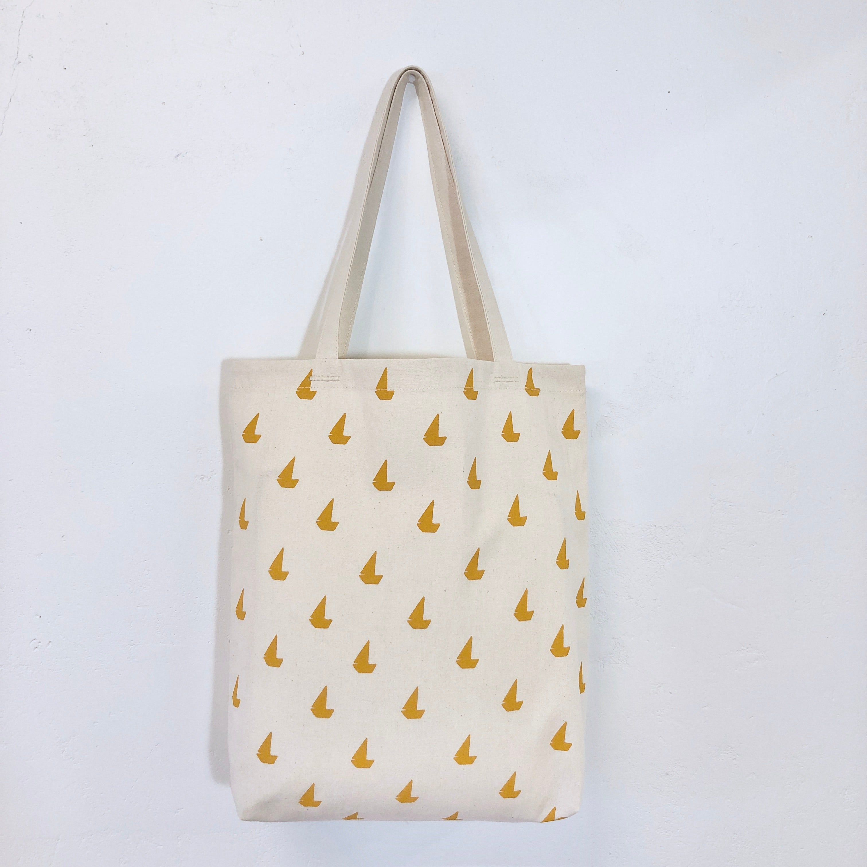 YOLK SAILBOATS CARRY ALL BAG