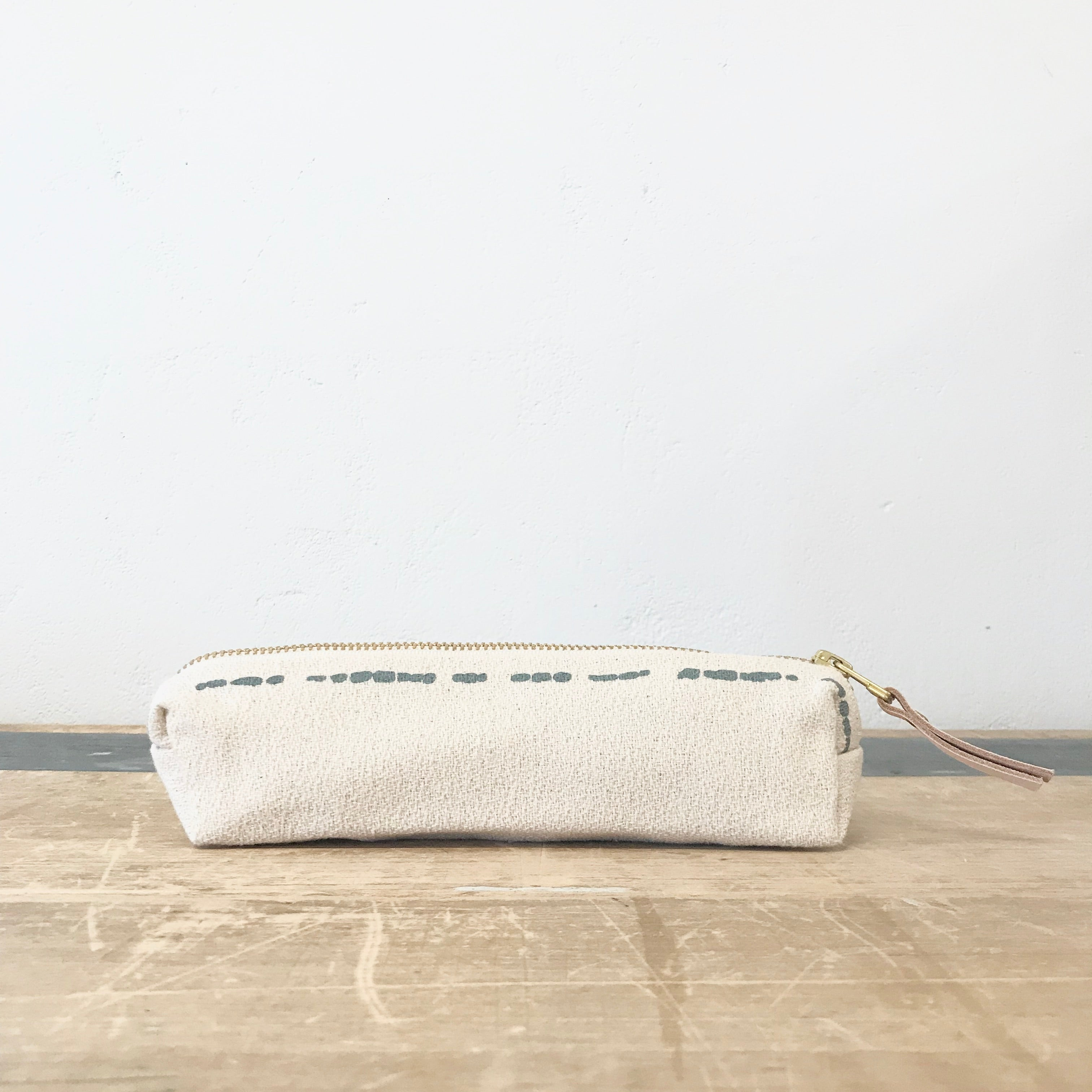 SLATE RIVER PENCIL ZIPPER BAG