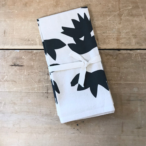 LOTUS COTTON NAPKINS. SET OF 2.