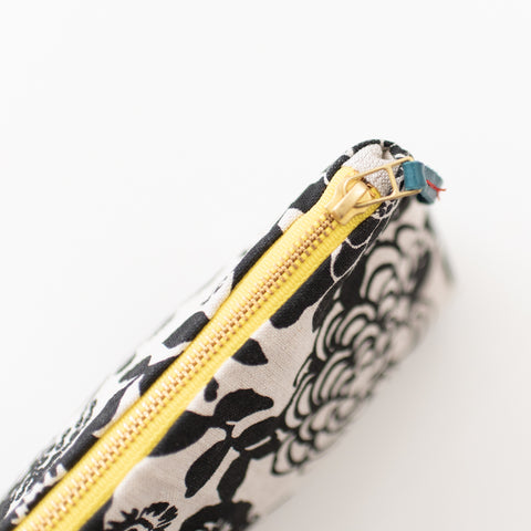 SHIPS NOW! BLACK WILD GARDEN MAKEUP ZIPPER BAG