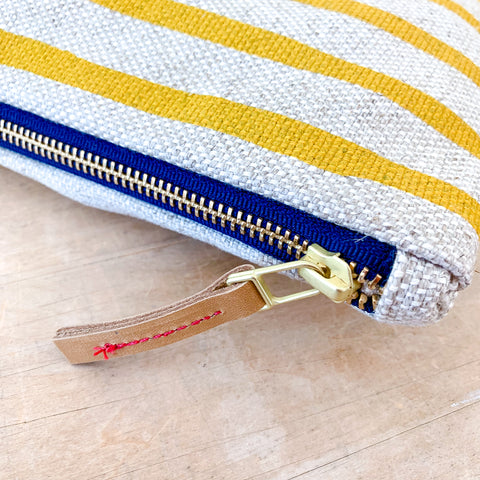GOLD 6 LINES OATMEAL LINEN CLUTCH ZIPPER BAG