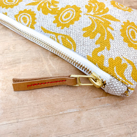 GOLD WALLFLOWER OATMEAL HEAVY LINEN CARD WALLET ZIPPER BAG