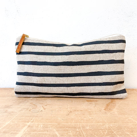 WORN BLACK 6 LINES OATMEAL LINEN CLUTCH ZIPPER BAG