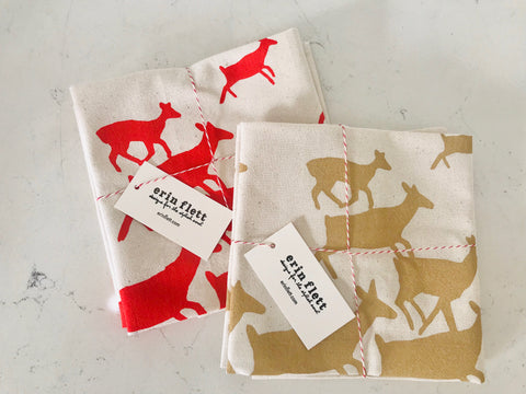 RUNNING DEER COTTON NAPKINS. SET OF 2.