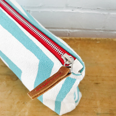 SEA BLUE BOLD GEO ZIPPER BAG