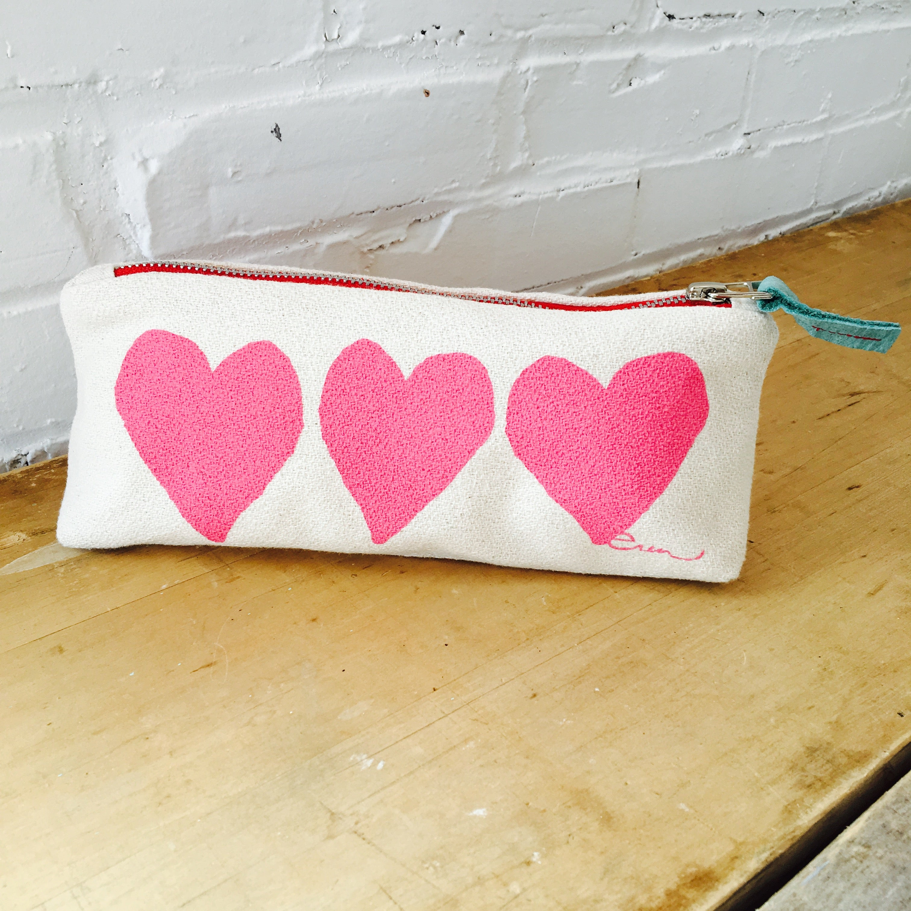 HOT PINK HEART ZIPPER BAG