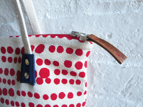 RED HILARY MOD TOTE BAG