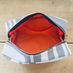 RAINY DAY BOLD GEO DOPP KIT