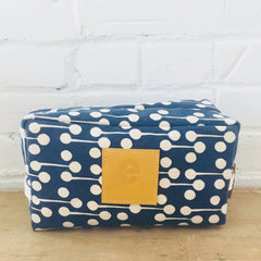 NAVY LOLLIPOP DOPP KIT