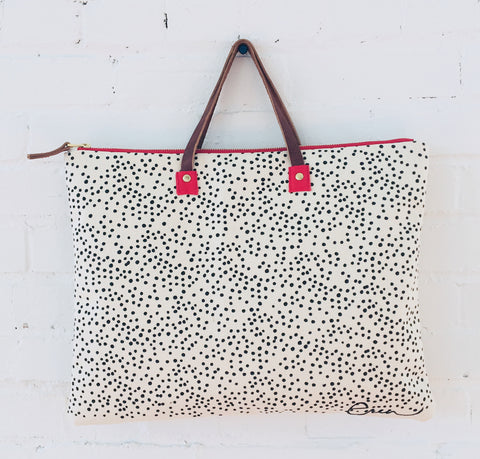 BLACK POLKA DOTS FOLDER BAG