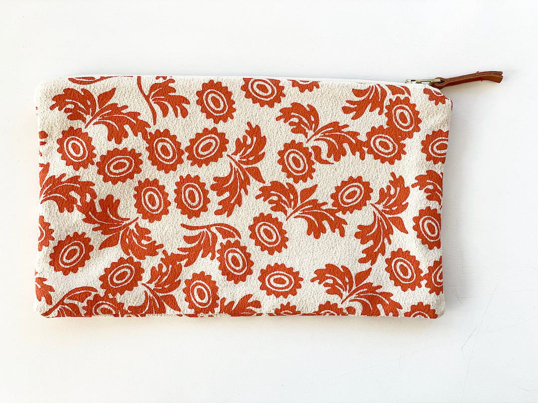 SHIPS NOW! TOMATO WALLFLOWER CLUTCH ZIPPER BAG