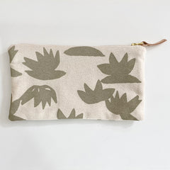 SHIPS NOW! OATMEAL LOTUS CLUTCH ZIPPER BAG