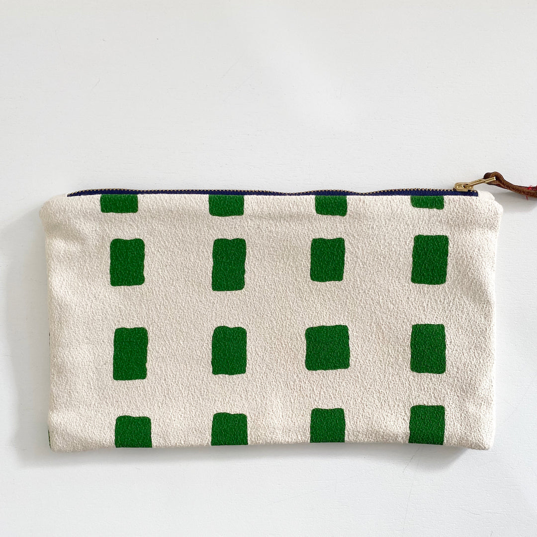 SHIPS NOW! KELLY SQUARES CLUTCH ZIPPER BAG