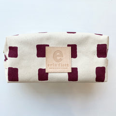 SHIPS NOW! WINE SQUARES DOPP KIT