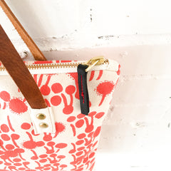 LIPSTICK BERRIES HEAVY CANVAS MOD TOTE