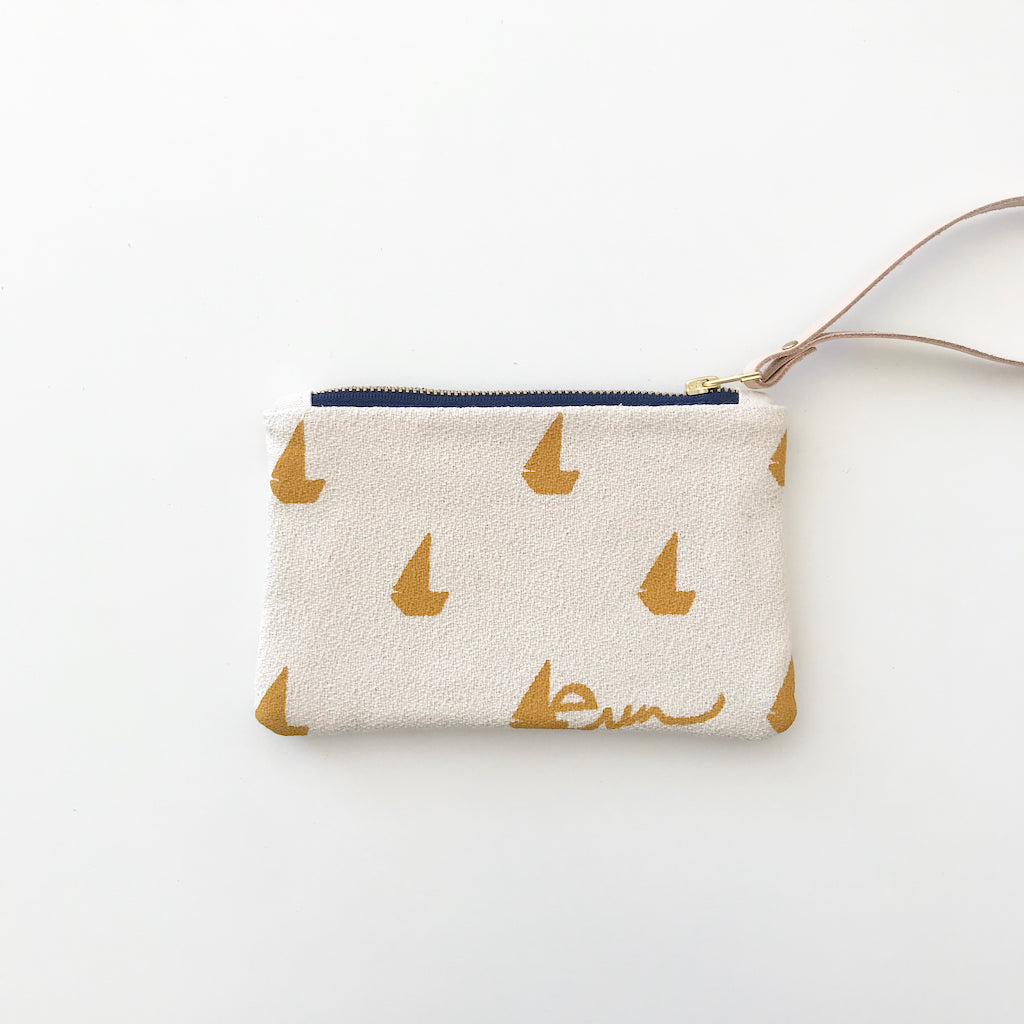 SHIPS NOW! YOLK SAILBOATS WRISTLET ZIPPER BAG