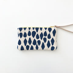 SHIPS NOW! LIMOGES LEAVES WRISTLET ZIPPER BAG