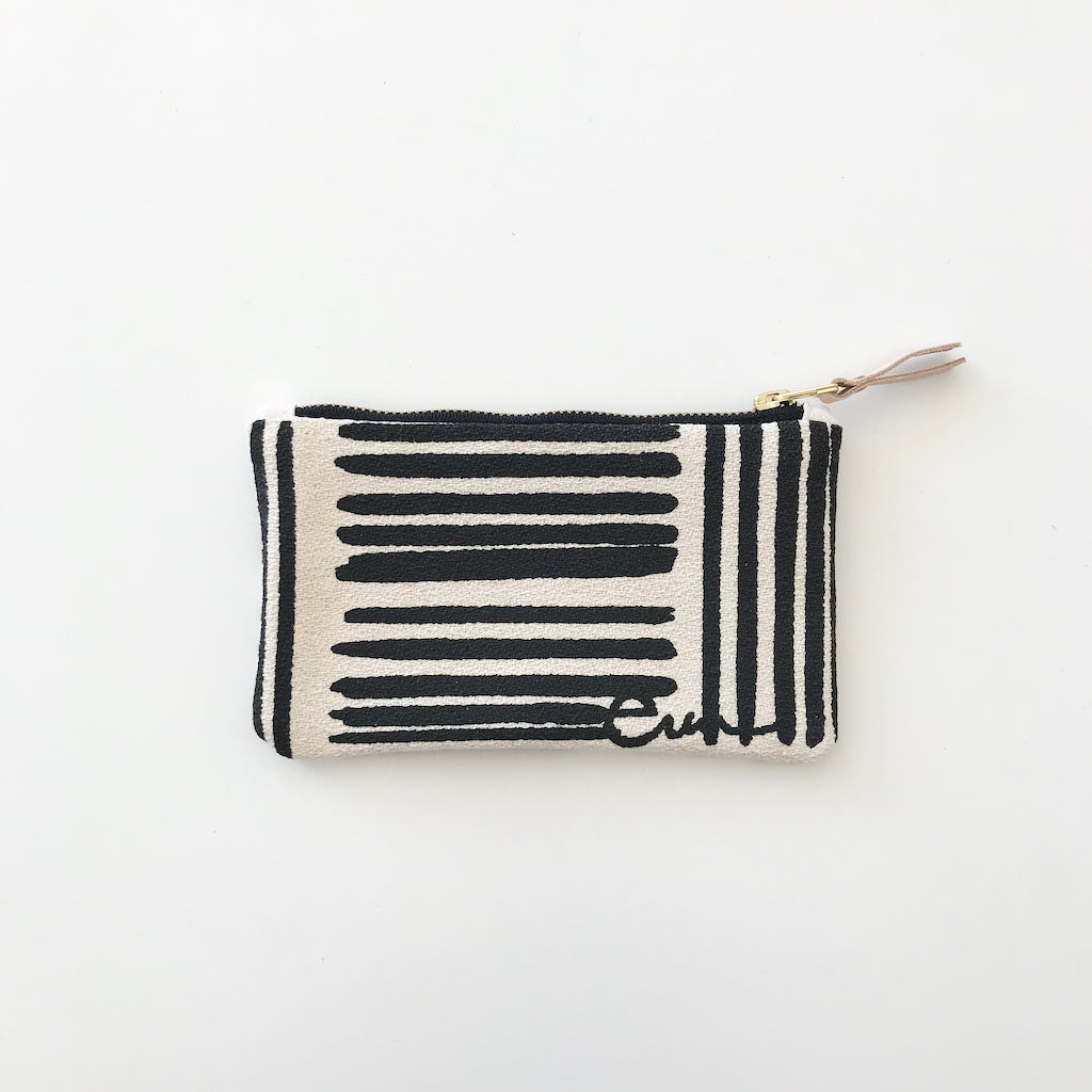 SHIPS NOW! WORN BLACK BRUSH CARD WALLET ZIPPER BAG