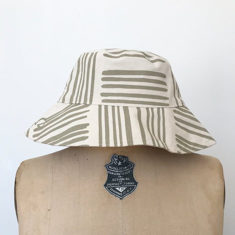 SHIPS NOW! OATMEAL BRUSH BUCKET HAT