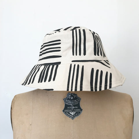 SHIPS NOW! WORN BLACK BRUSH BUCKET HAT