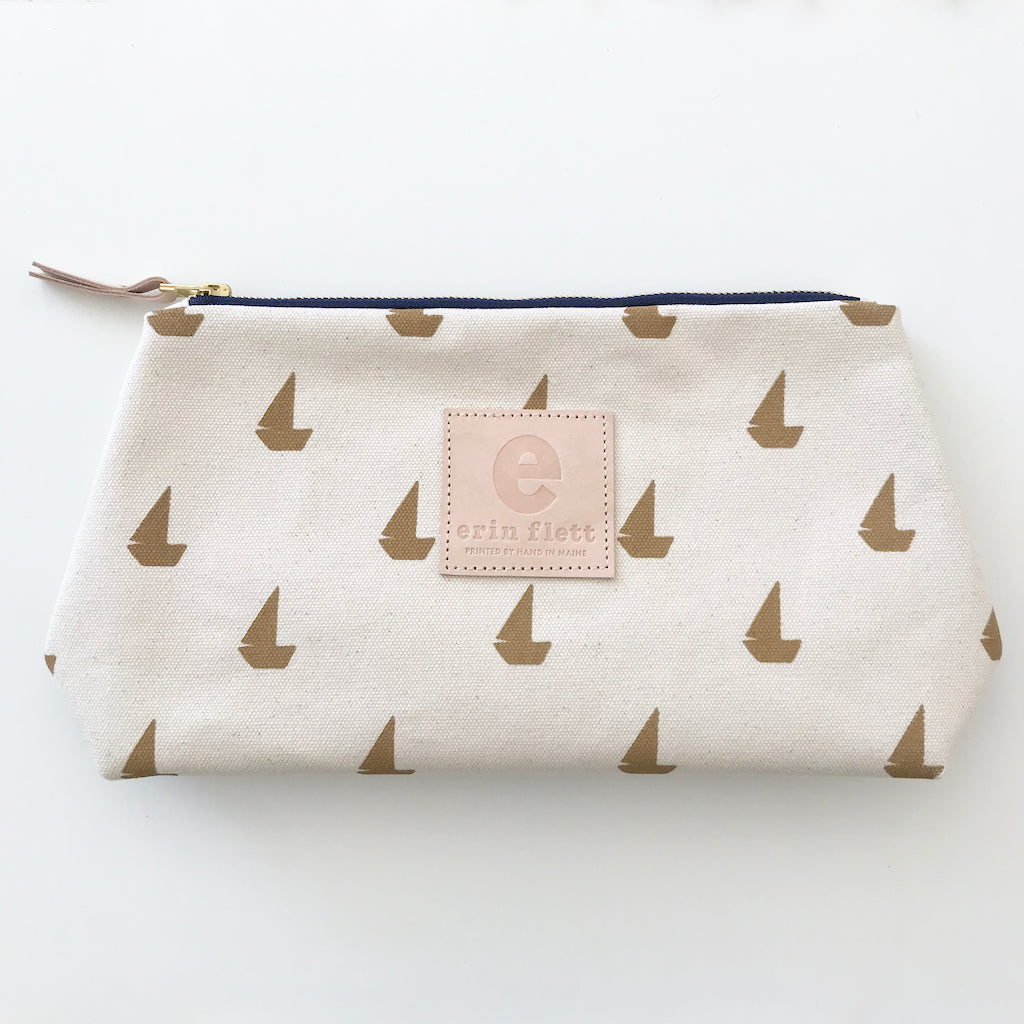SHIPS NOW! SAND SAILBOATS JEN BAG