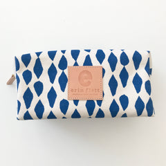 SHIPS NOW! ROYAL LEAVES DOPP KIT