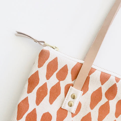 SHIPS NOW! MANGO LEAVES MOD TOTE