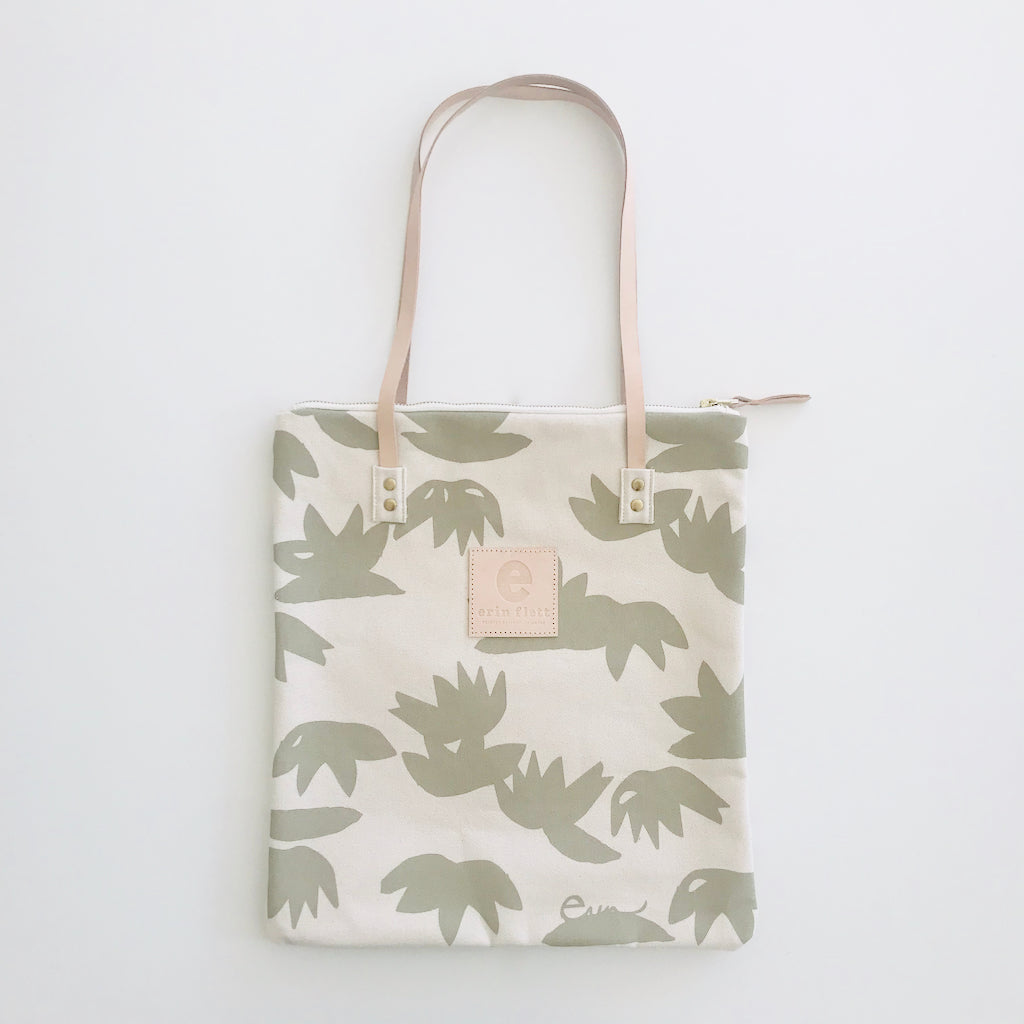SHIPS NOW! OATMEAL LOTUS MOD TOTE