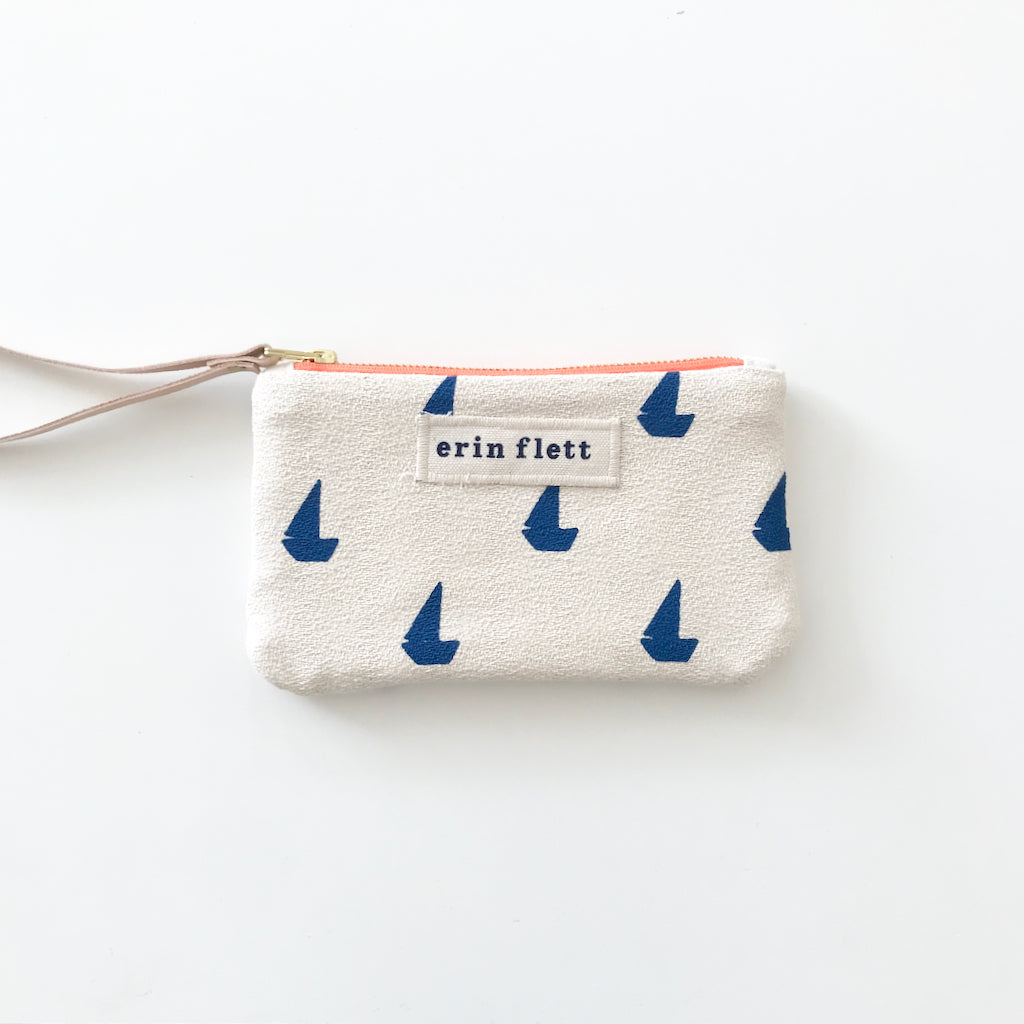 SHIPS NOW! ROYAL SAILBOATS WRISTLET ZIPPER BAG