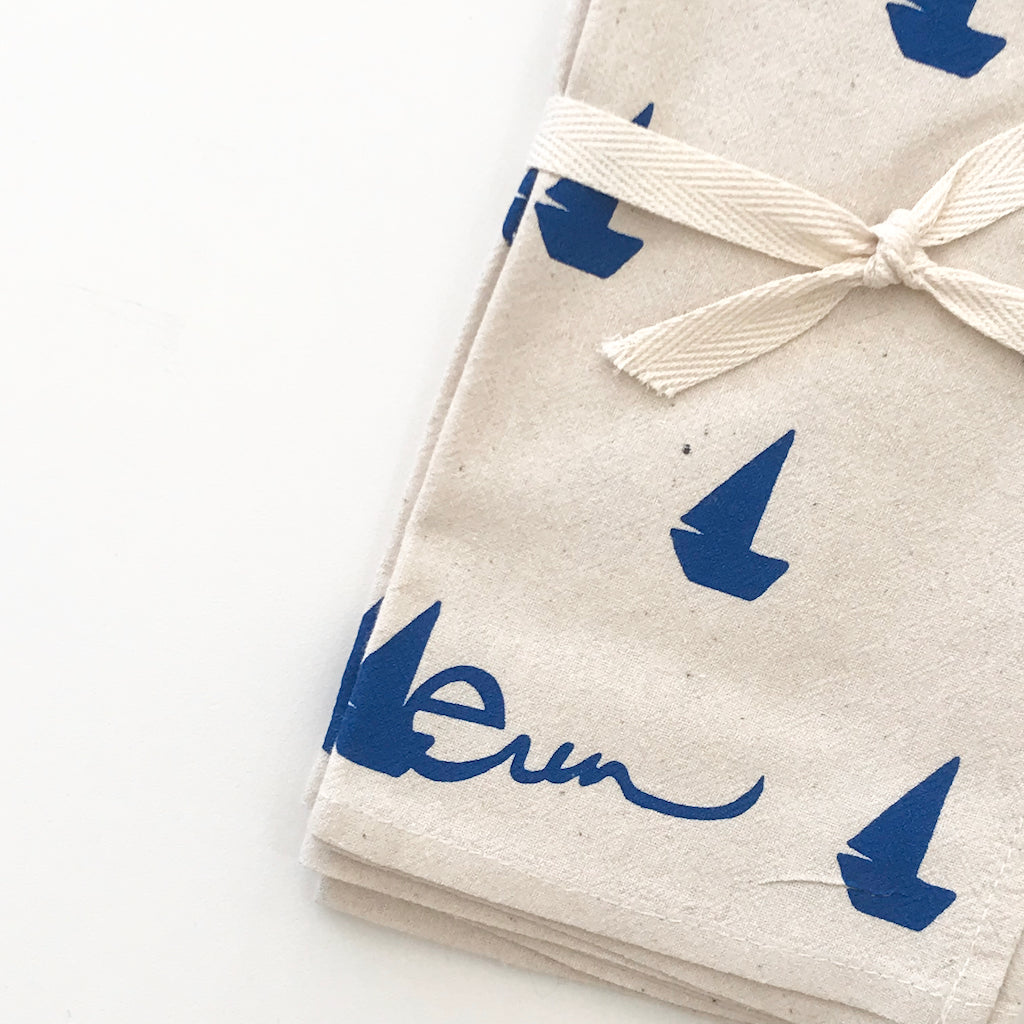 SHIPS NOW! SAILBOATS COTTON NAPKINS. SET OF 2.