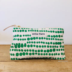 SEA FOAM HILARY MAKEUP ZIPPER BAG