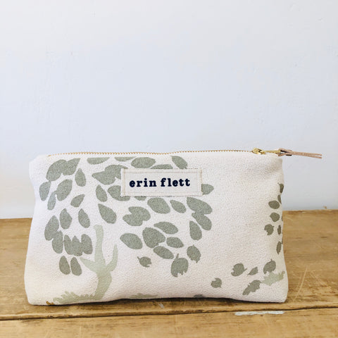 OATMEAL RUNNING DEER MAKEUP ZIPPER BAG