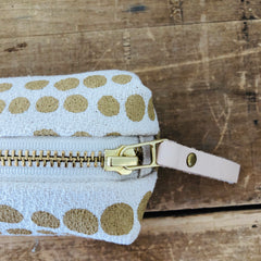 SAND HILARY ROUND PENCIL ZIPPER BAG