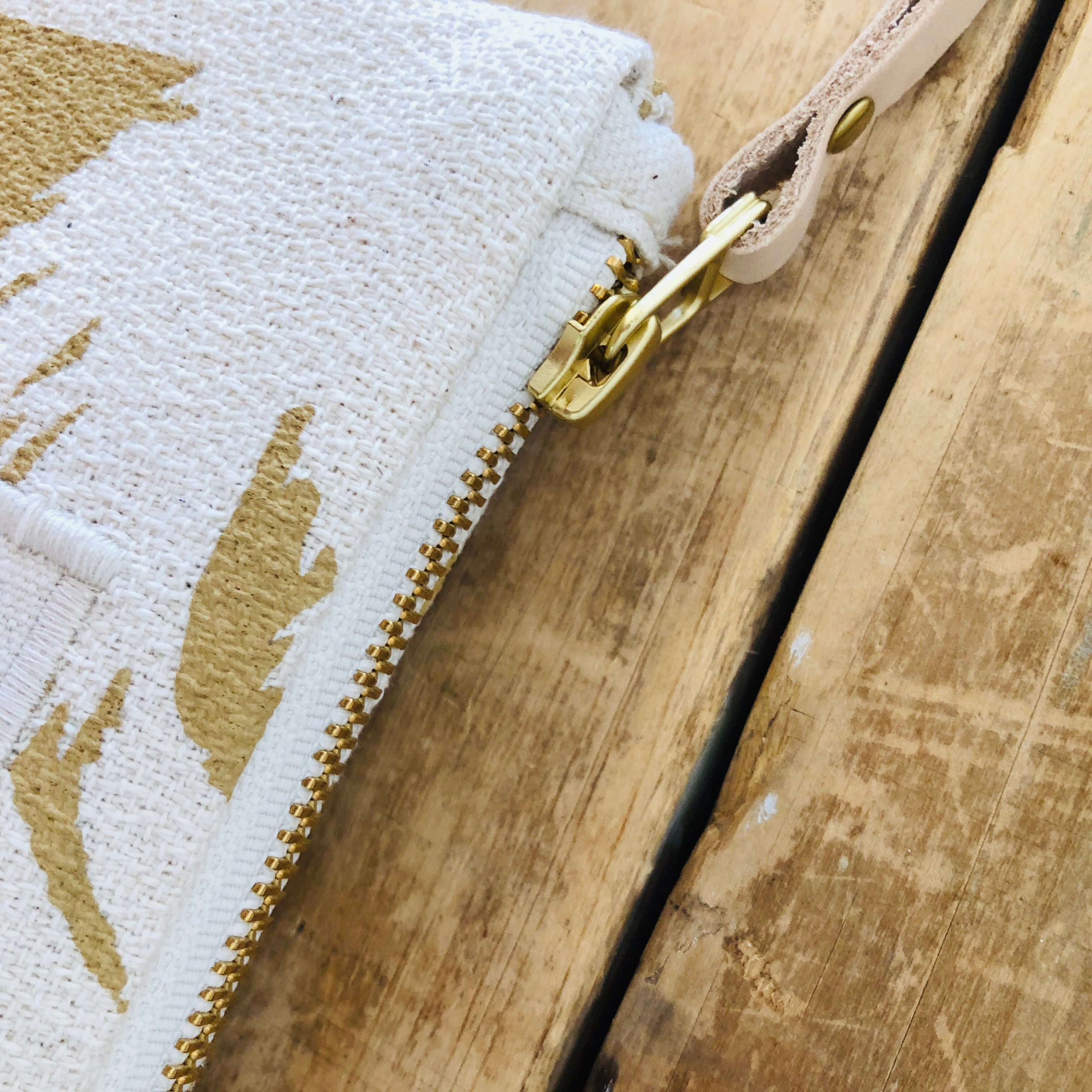 SAND ASHLEY PINE CARD WALLET ZIPPER BAG