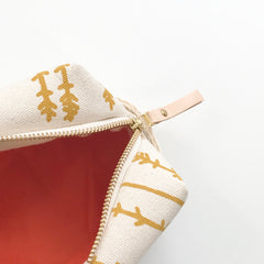SHIPS NOW! GOLD TWIGS DOPP KIT