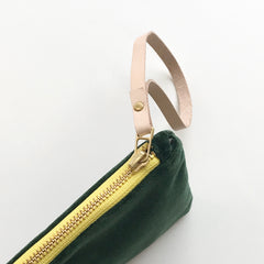 SHIPS NOW! EMERALD VELVET WRISTLET ZIPPER BAG