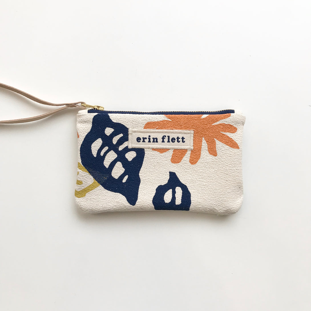 SHIPS NOW! GARDEN WRISTLET ZIPPER BAG