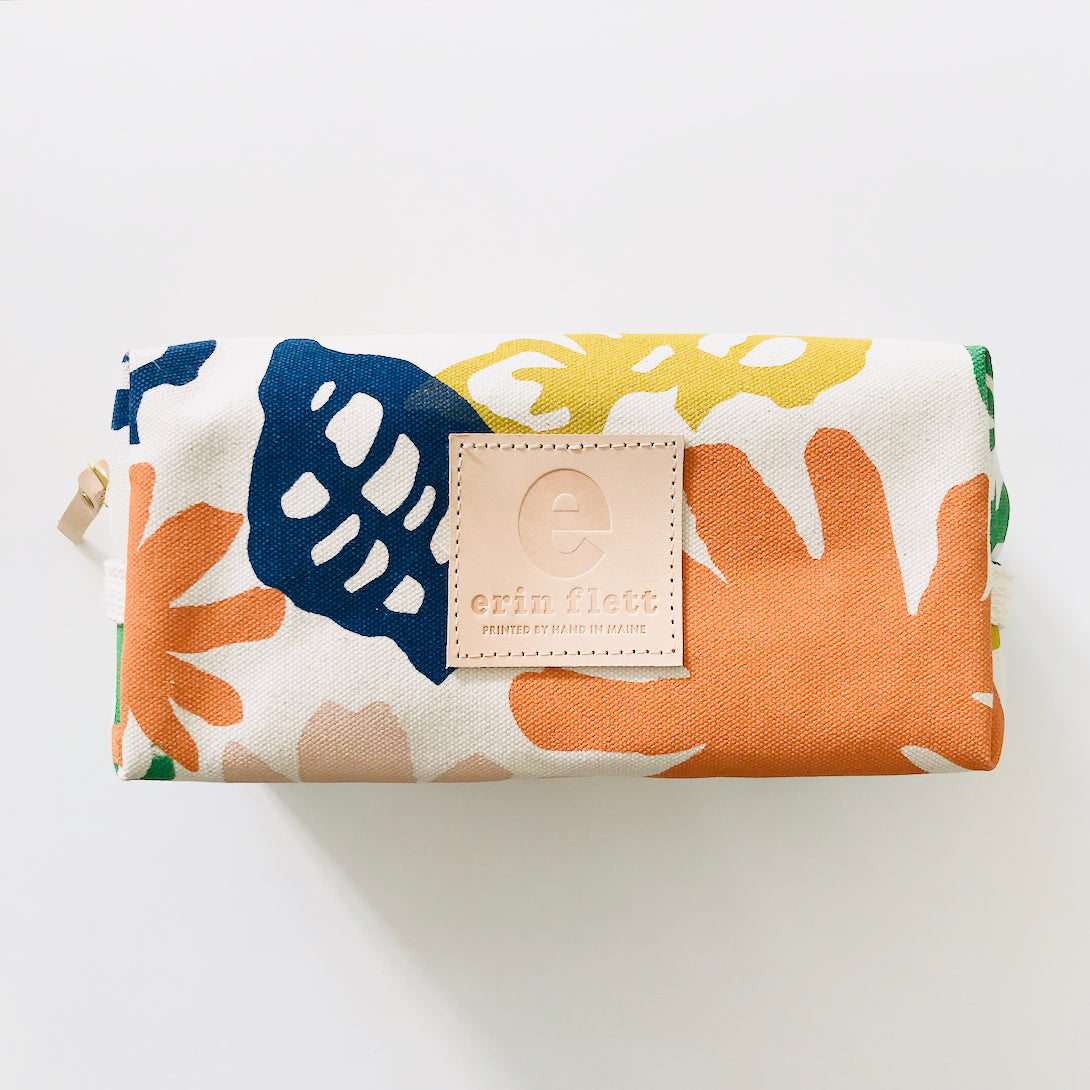 SHIPS NOW! GARDEN DOPP KIT