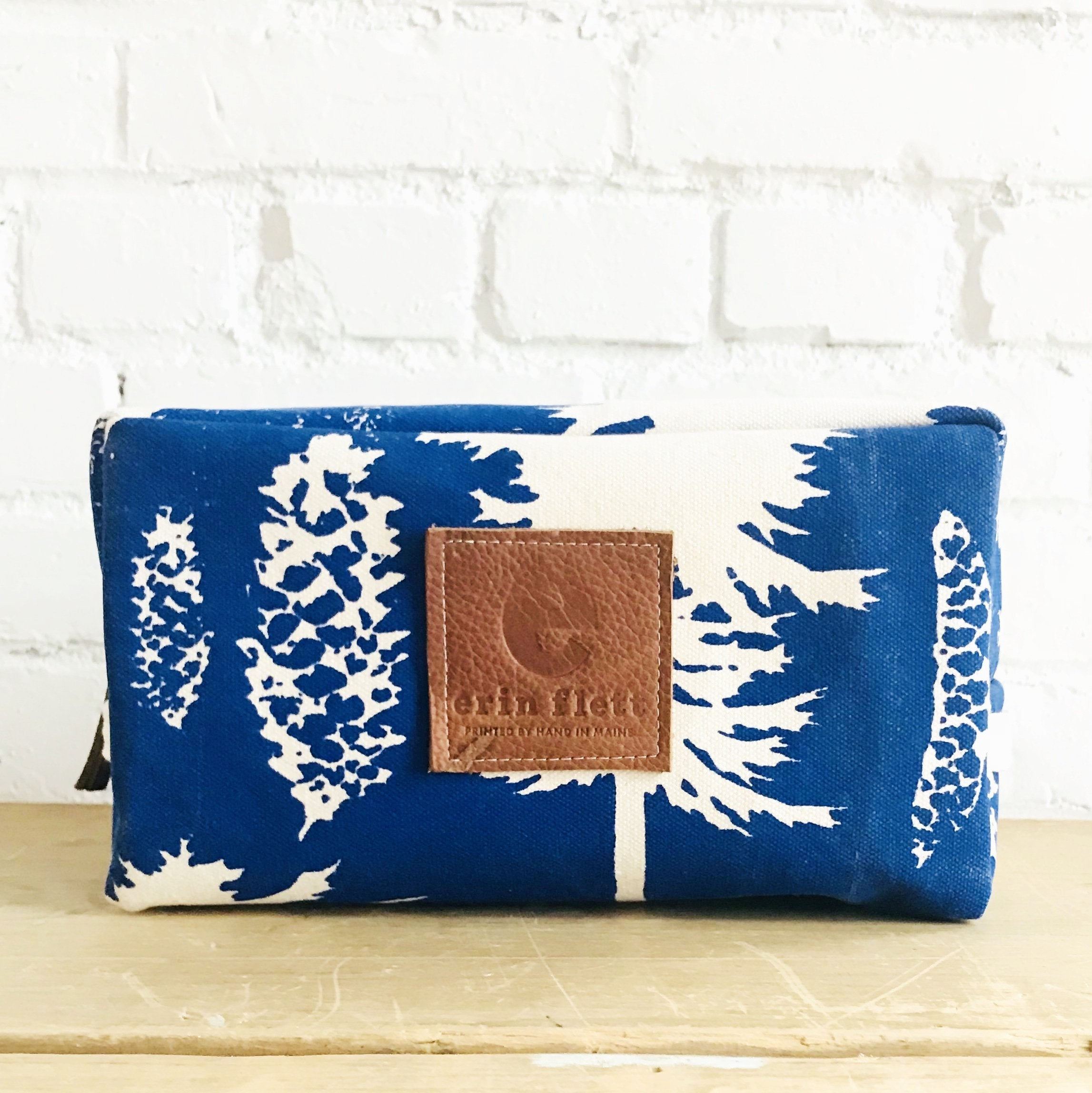 ROYAL ASHLEY PINE DOPP KIT