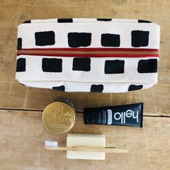 BLACK SQUARES DOPP KIT